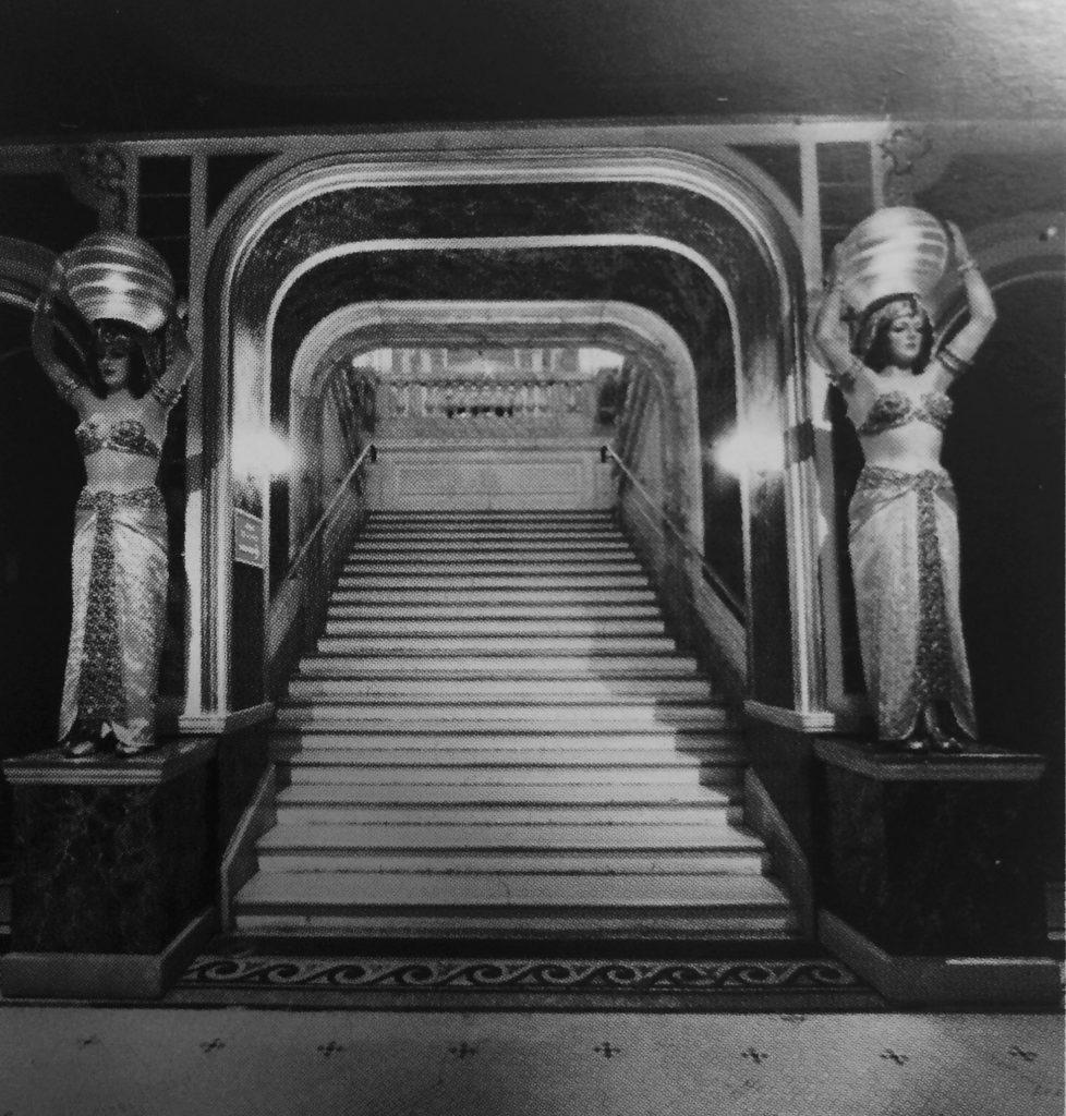 L'entrata d'accesso al primo piano Musée Grévin