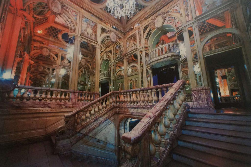 La scalinata di marmo barocca di Rives