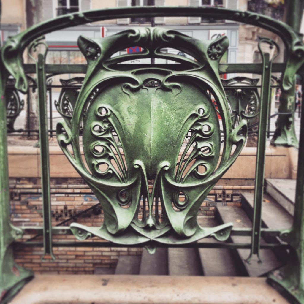 Dettaglio art-nouveau del disegno di Guimard
