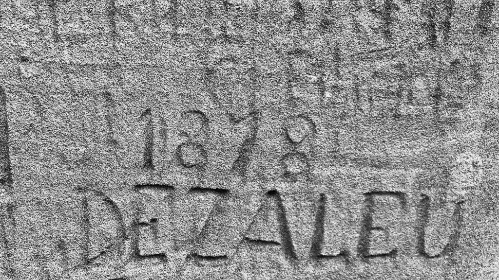 Antichi graffiti del 1800