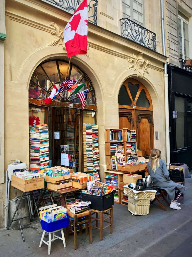 Rue de la Parcheminerie bookshop