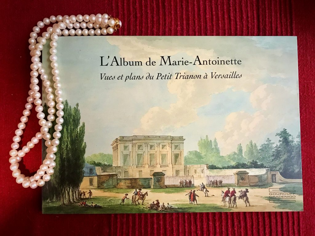 Lettura Marie-Antoinette Trianon2
