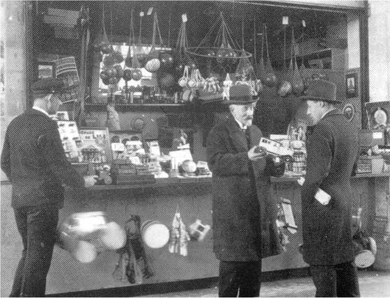 Méliès alla boutique di giocattoli della gare Montparnasse