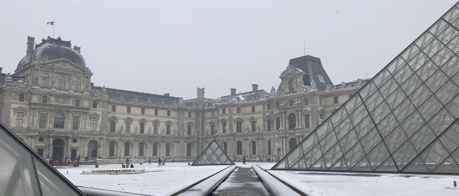 Fantasmi del Louvre copertina