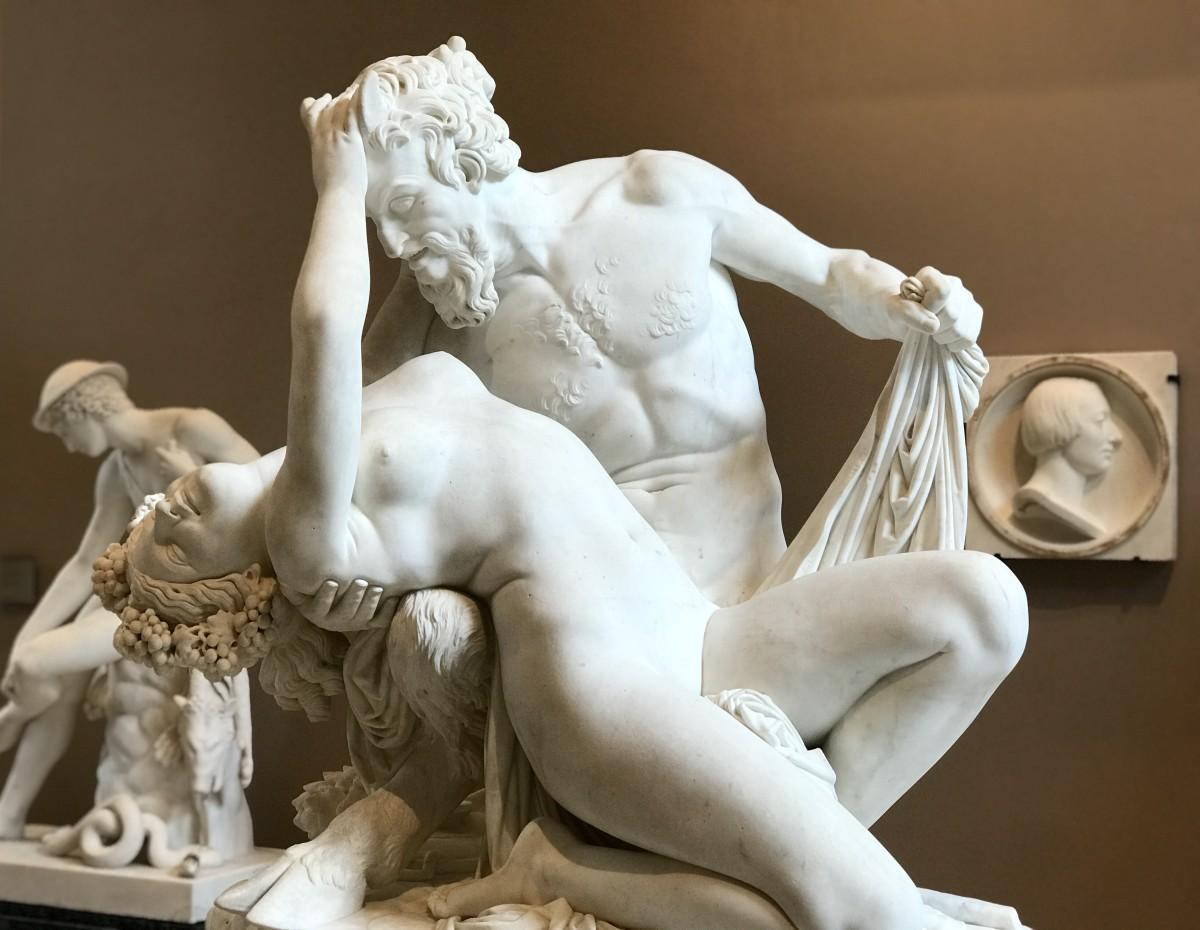 Pradier_SatiroEBaccante_1834_Louvre